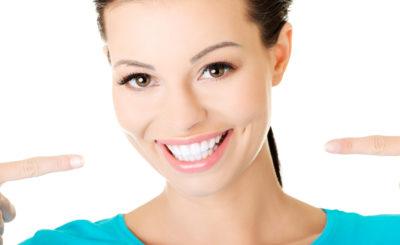 【黄ばみ除去】四ツ橋駅近くで「歯のクリーニング・歯石取り」を行っている歯医者さん
